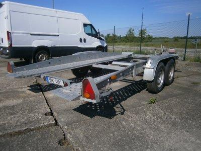 nákladní vozík pro přepravu vozidel